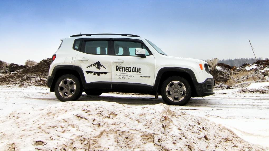 Бэтмобиль на минималках: обзор Jeep Renegade