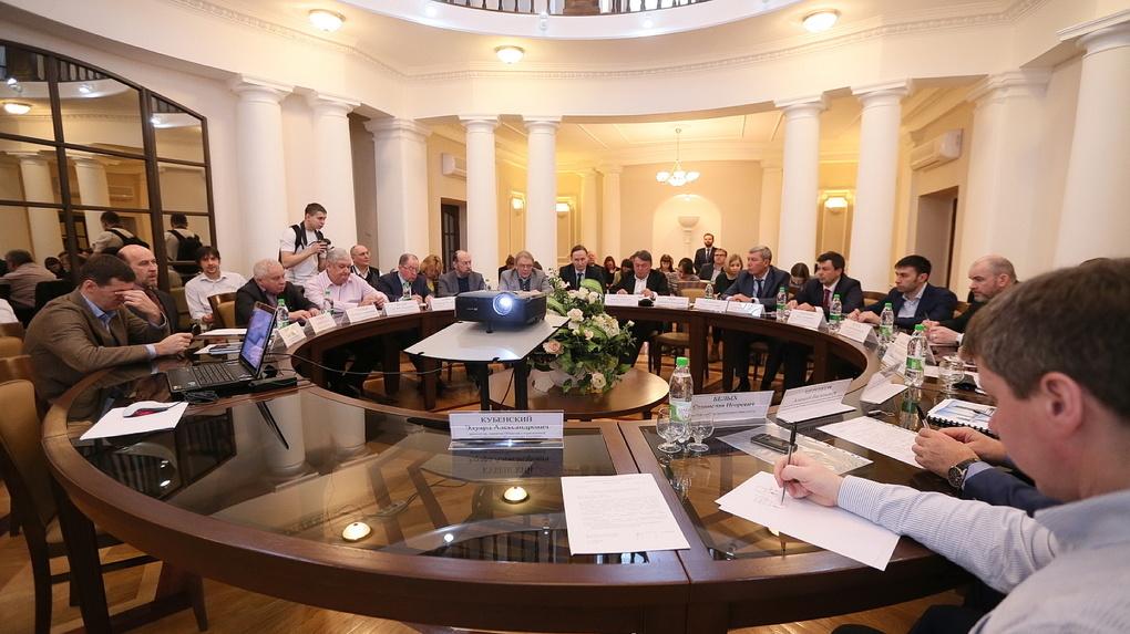 «Главная цель – шпынять неугодных»: архитекторы и девелоперы о новом «карманном» градсовете Высокинского