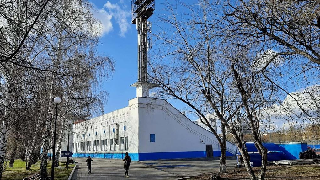 К Универсиаде меняют границы охраны «Динамо». Защитник зданий считает, что на стадионе снесут трибуны