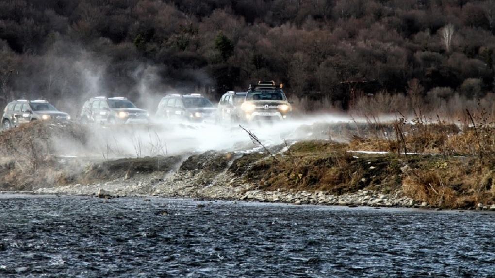Двое против ветра: истязаем Renault Duster в пустыне и горах