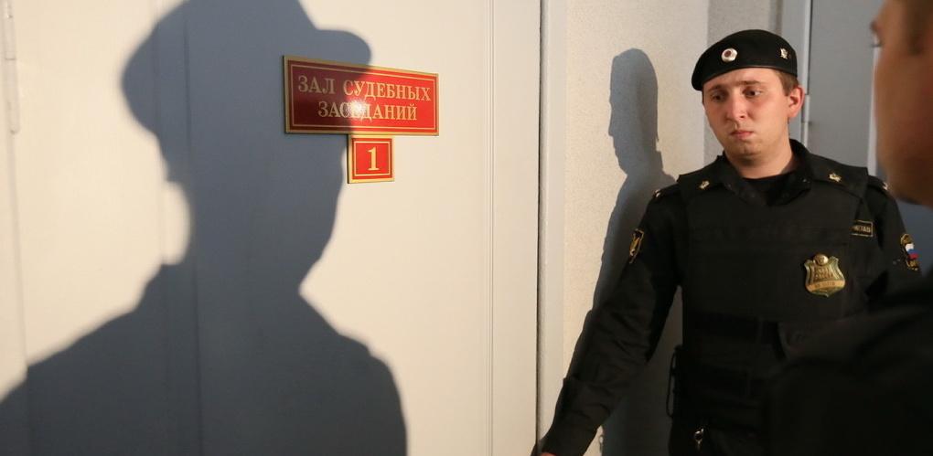 До 10 лет колонии: следователи обвинили руководителя четвертой овощебазы в краже земли у барда Новикова