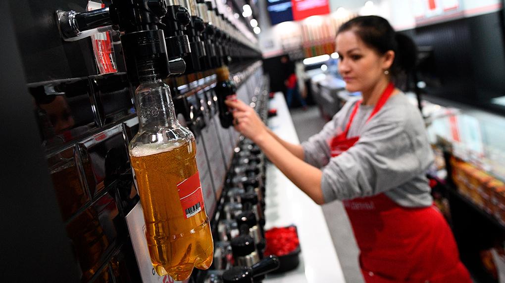 Евгений Куйвашев не станет запрещать продажу алкоголя в майские праздники. Но ограничения все-таки будут