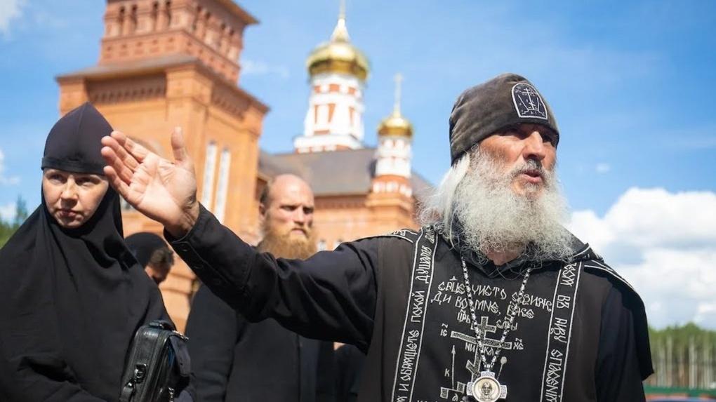 Почему митрополит не может выгнать раскольника Сергия из монастыря. Схема защиты опального схиигумена