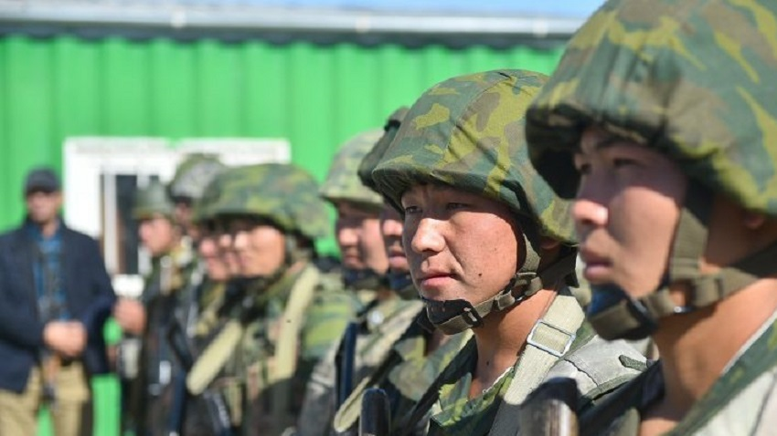Киргизия и Таджикистан договорились прекратить вооруженный конфликт