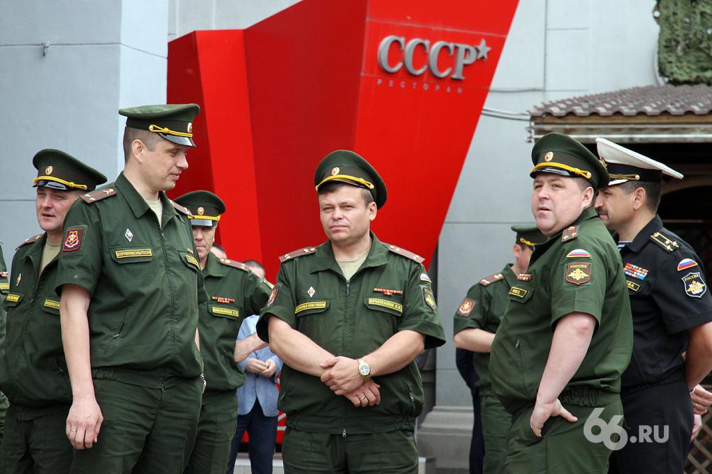 На военные сборы в Свердловской области ждут радистов