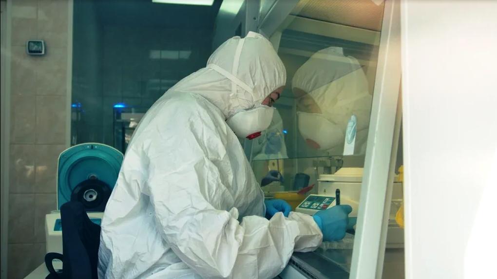 «Спасать тех, кто спасает жизни». Уральским медикам, заболевшим COVID-19, выдадут бесплатные лекарства