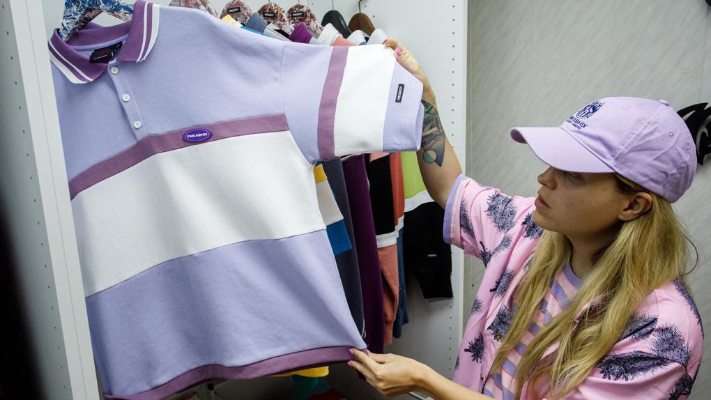 Как уральские предприниматели приучили блогеров и музыкантов к одежде из Китая. История бренда YMKASHIX