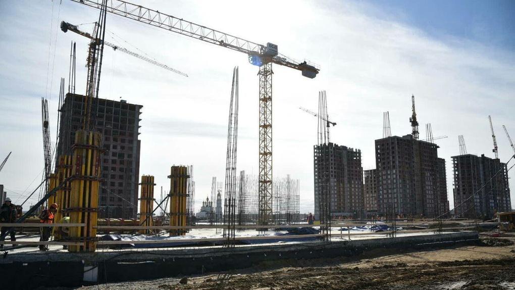 Город не смог потратить на стройки 142,4 млн рублей. Деньги не дошли до четырех школ, детсада и музея