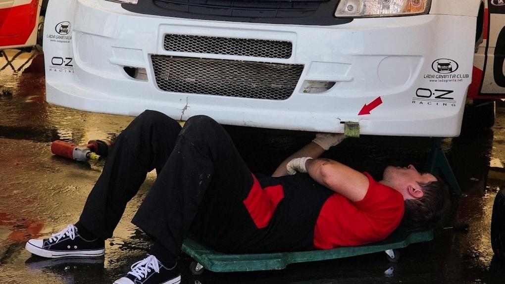 Клиентка «АвтоАудиоЦентра» потеряла свой Bentley в мастерской
