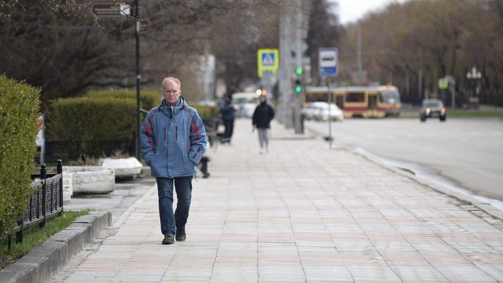 Евгений Куйвашев разрешил гулять на улице. Но с тремя условиями
