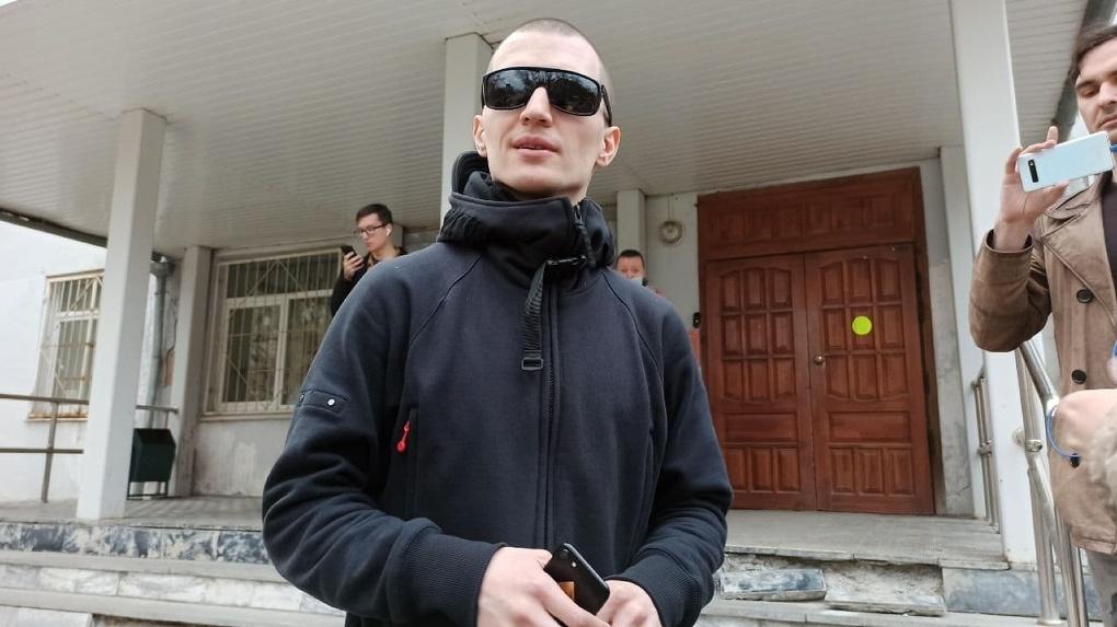 Тимофей Радя отказался отрабатывать 39 часов за участие в митинге. Теперь его могут арестовать