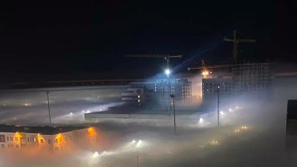 Город заволокло дымом от тлеющих торфяников. Въезд в Солнечный ограничили, выезд на ЕКАД закрыли