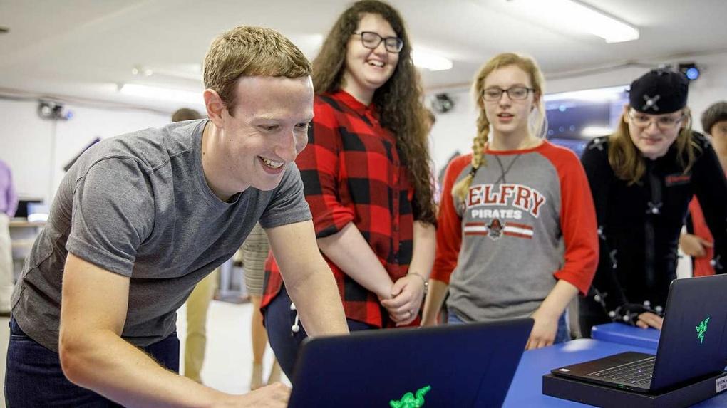 Сенаторы пригласили основателя Facebook Марка Цукерберга на заседание Совфеда