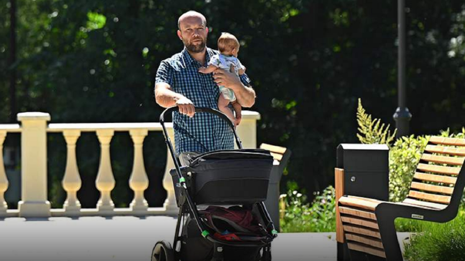 Отцам детей от суррогатных матерей начнут выдавать маткапитал со следующего года