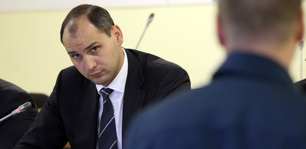 Вертикаль СМИ подчинят губернатору: вслед за Денисом Паслером из правительства уходит его консильери