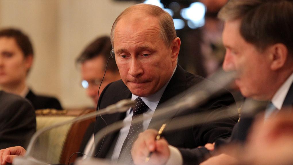 Владимир Путин рассказал ремонтникам станции Москва-Киевская о главном событии года