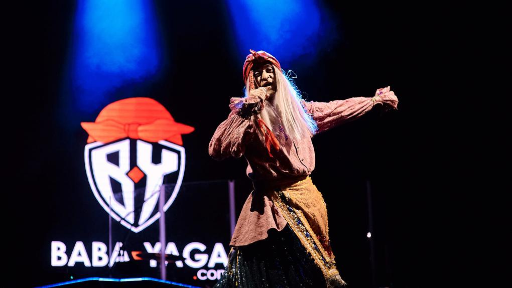 Лазерное шоу и отличная музыка впечатлили гостей сцены BY на Ural Music Night
