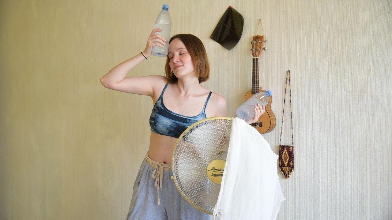 Я весь день набрасывала всякое на вентилятор. Тест-драйв фольклорных способов борьбы с жарой