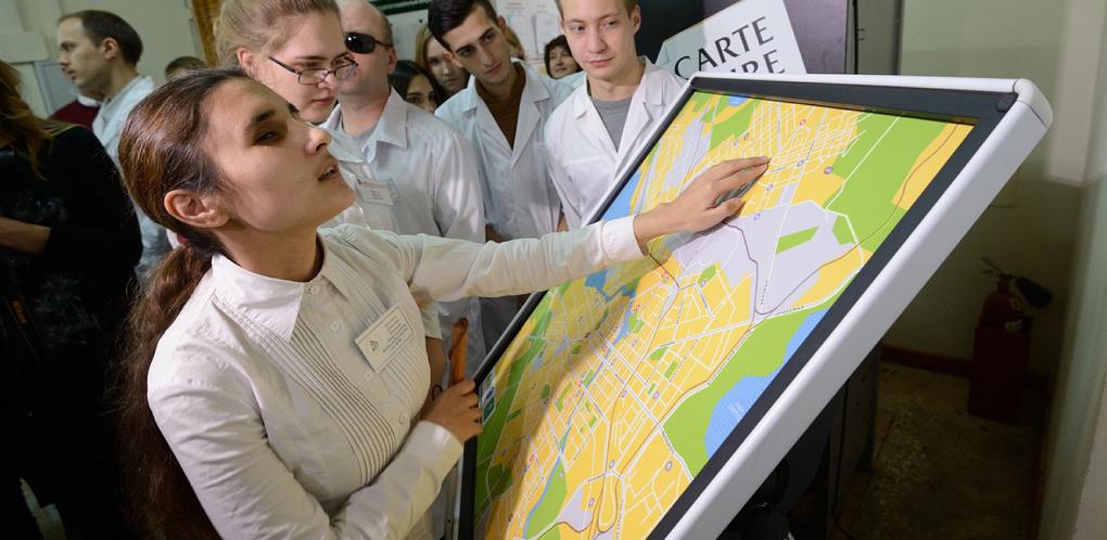 Жми и слушай: как устроена первая тактильная интерактивная карта Екатеринбурга