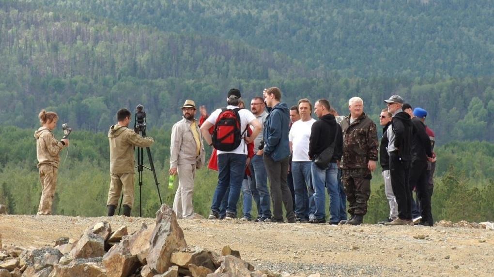 На карьерах УГМК собрали десятки экологов, чтобы показать, как борются с загрязнением рек. Итоги встречи