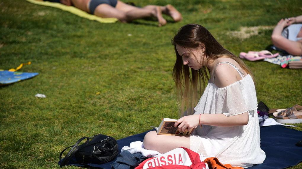 В Екатеринбург пришла жара: летний город в 10 фото