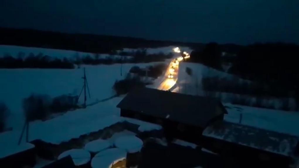 Машины ОМОНа длинной цепочкой въехали ночью в тайный скит экс-схиигумена Сергия. Видео