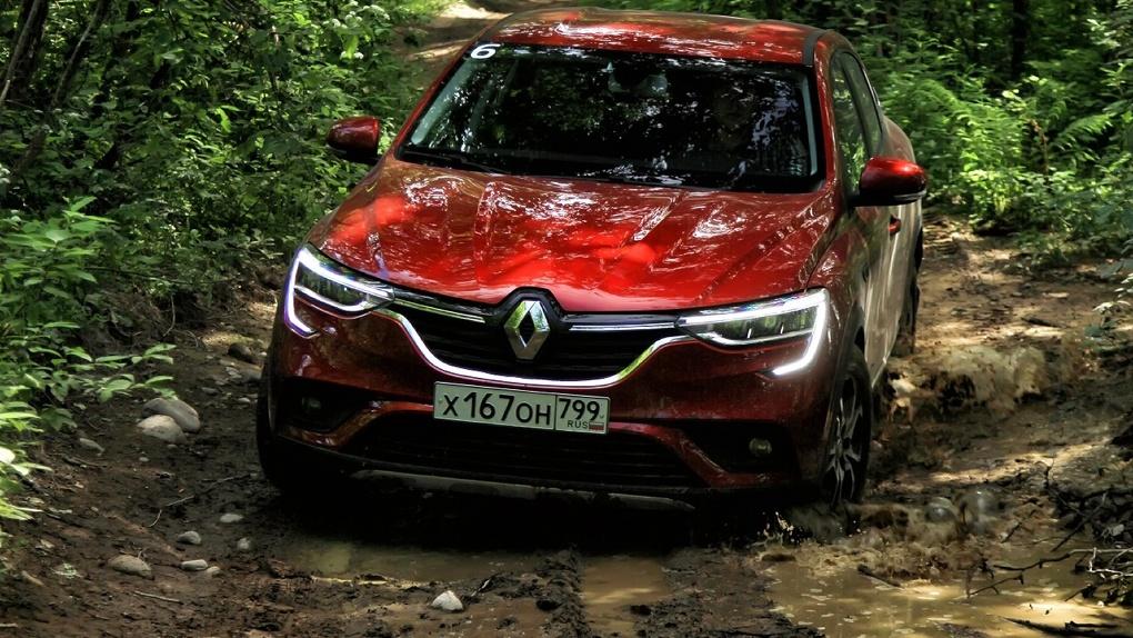 Мы попытались утопить Renault Arkana в лесу. Что из этого вышло