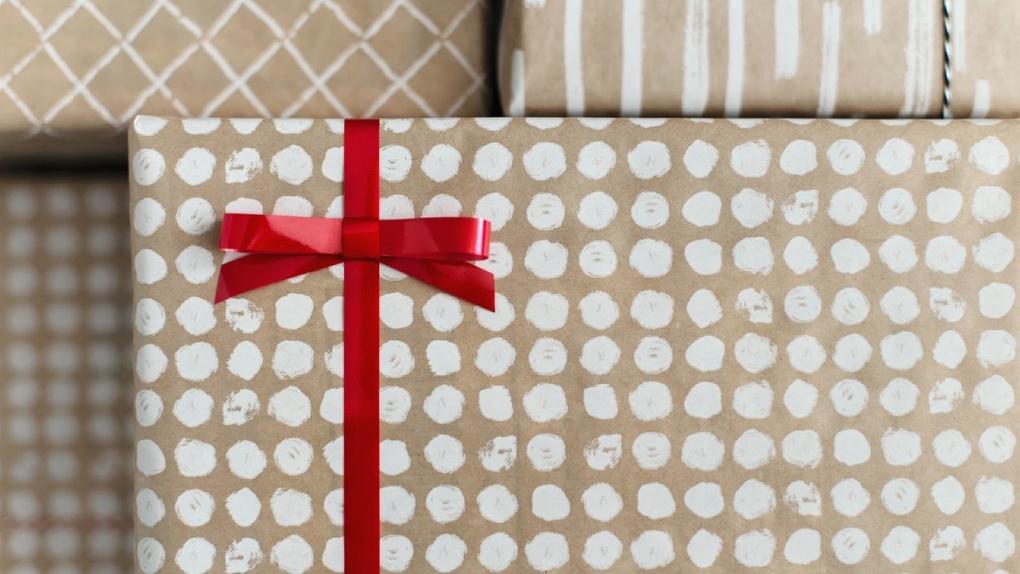 Сбер раздает подарки жителям Екатеринбурга ко Дню города. Как воспользоваться предложением