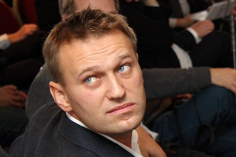 Картинки по запросу говорящая голова навального