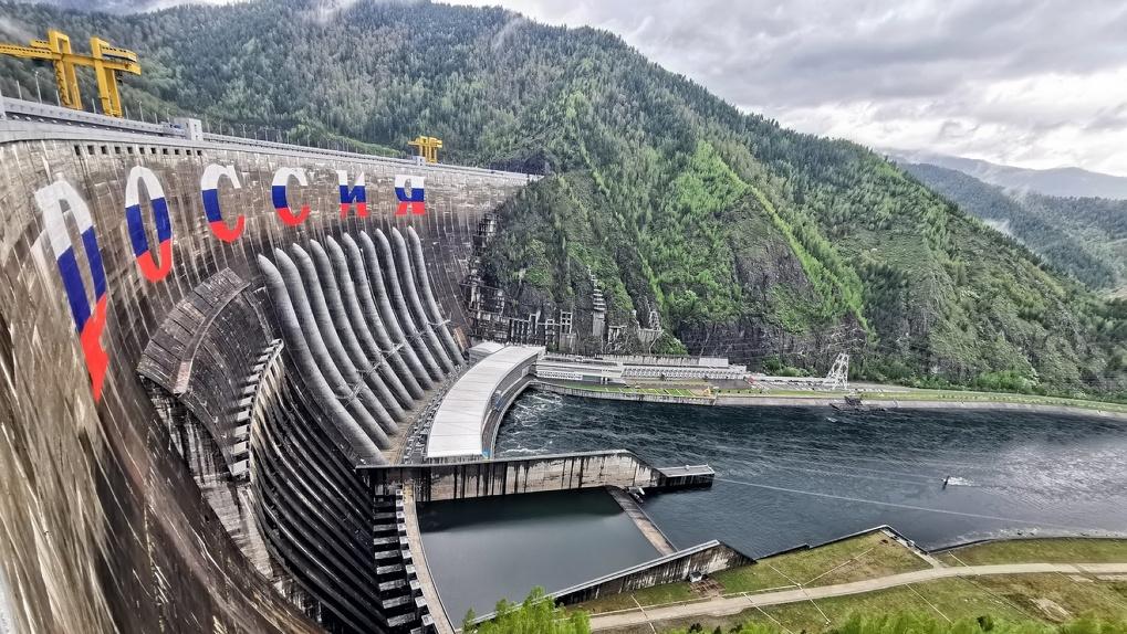 12 лет назад на Саяно-Шушенской ГЭС случилась крупнейшая в истории авария. Как станция выглядит сейчас