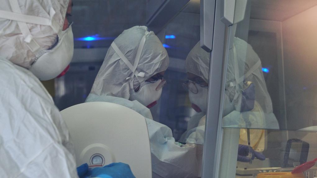 Оперативный штаб: сотрудник свердловского минздрава заразился коронавирусом