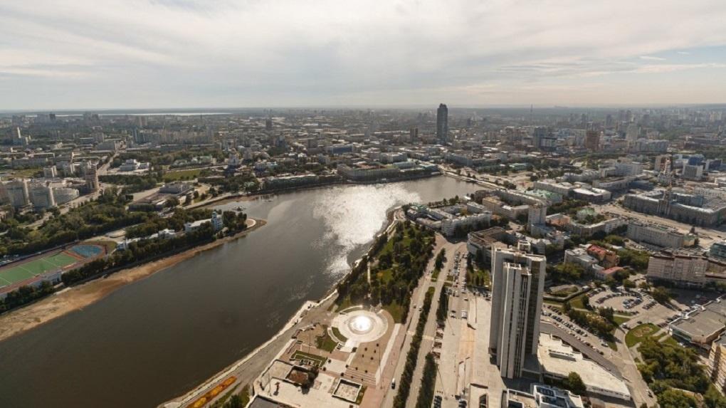 В Екатеринбурге запустили голосование по выбору места для стелы «Город трудовой доблести». Варианты