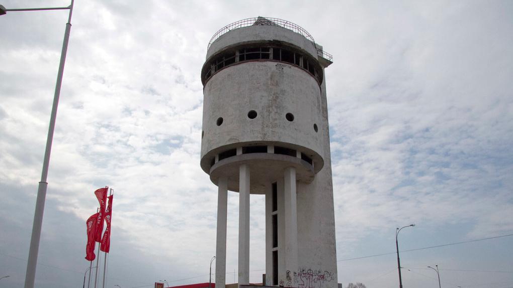 Архитекторы, восстанавливающие Белую башню, нашли возможность не платить налог