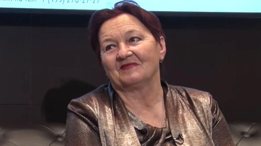 Заперлась в квартире из-за попрошаек и чиновников: как живет бабушка, выигравшая 506 млн рублей в лотерею