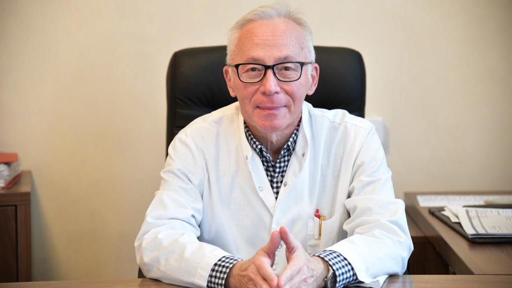 «Нельзя списывать все на вирус». Заслуженный врач России — о причинах возросшей смертности