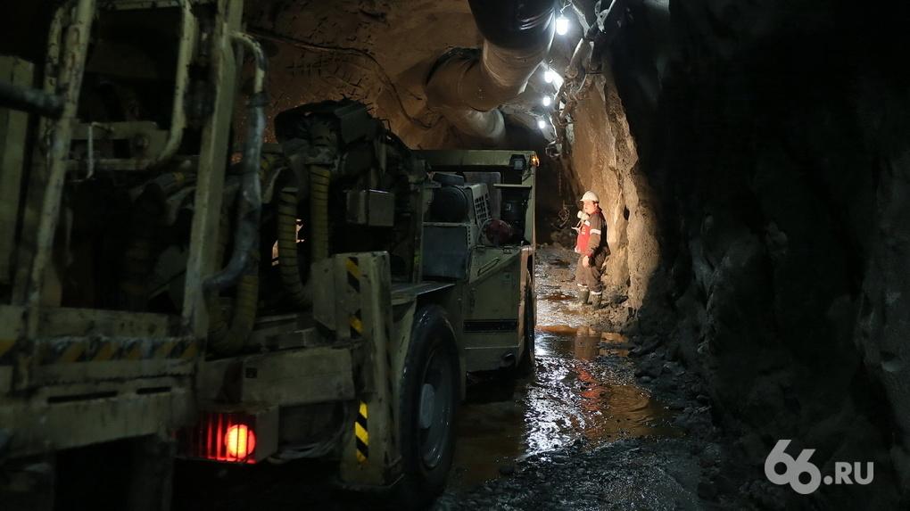 Руководство изумрудной шахты, где сотрудники собирались бастовать под землей, погасило долги по зарплате