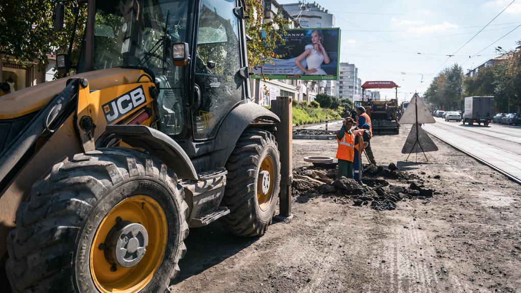 Правительство Дмитрия Медведева забирает у регионов 17 тыс. км дорог, чтобы их отремонтировать