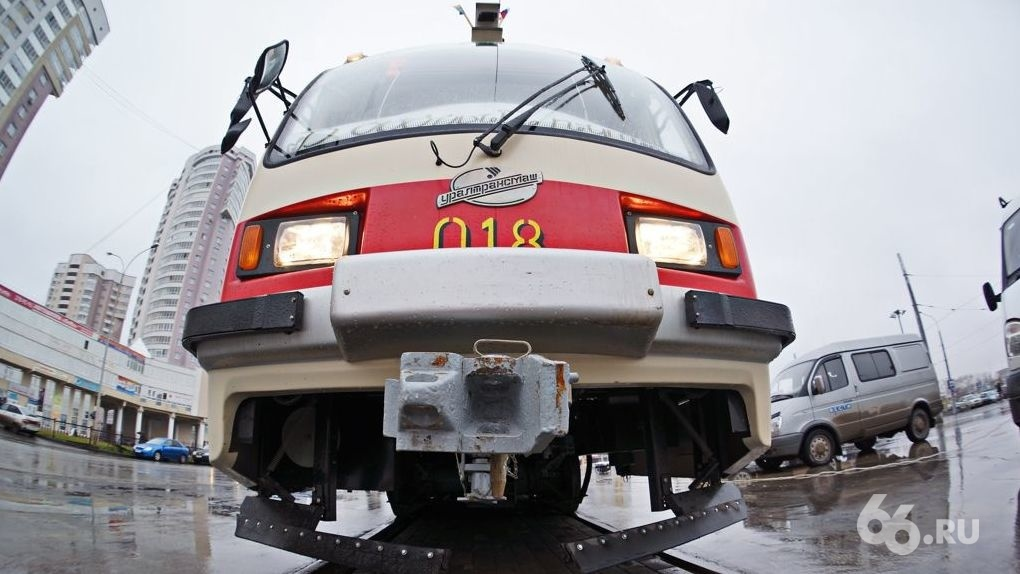 ДТП заблокировало выезд трамваев с ЖБИ