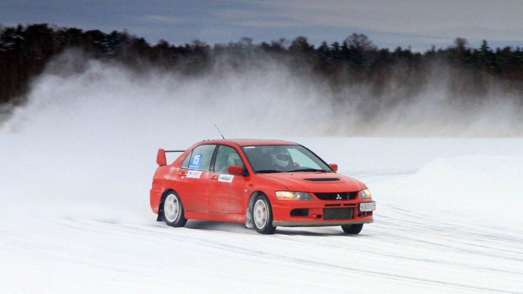 Организаторы автогонок на льду Балтыма придумали, как спасти свою трассу. Помог Сергей Карякин