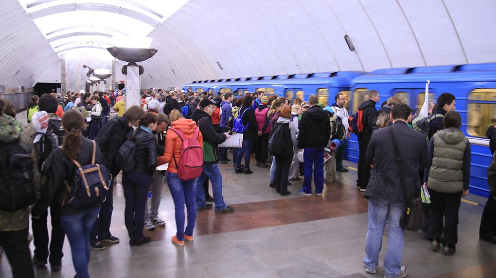 «Попросили покинуть вагоны»: на станции метро «Динамо» пассажиров высадили из поезда без объяснений