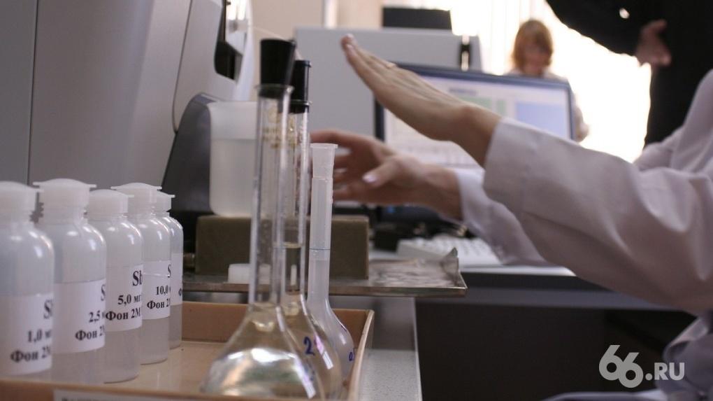 Всего 38 подопытных и 144 «нежелательных явления». Что не так с российской вакциной от коронавируса