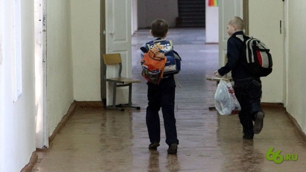 В школе Приморья криминальные авторитеты провели урок нравственности и научили детей жить по понятиям