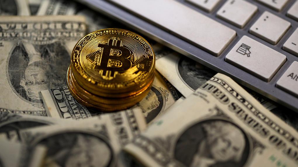 Депутатам разрешили неуказывать криптовалюту всправках одоходах