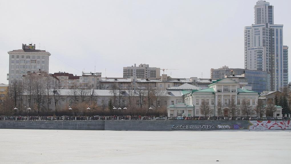 35 страниц против храма на воде: Городской пруд требуют внести в реестр памятников истории России