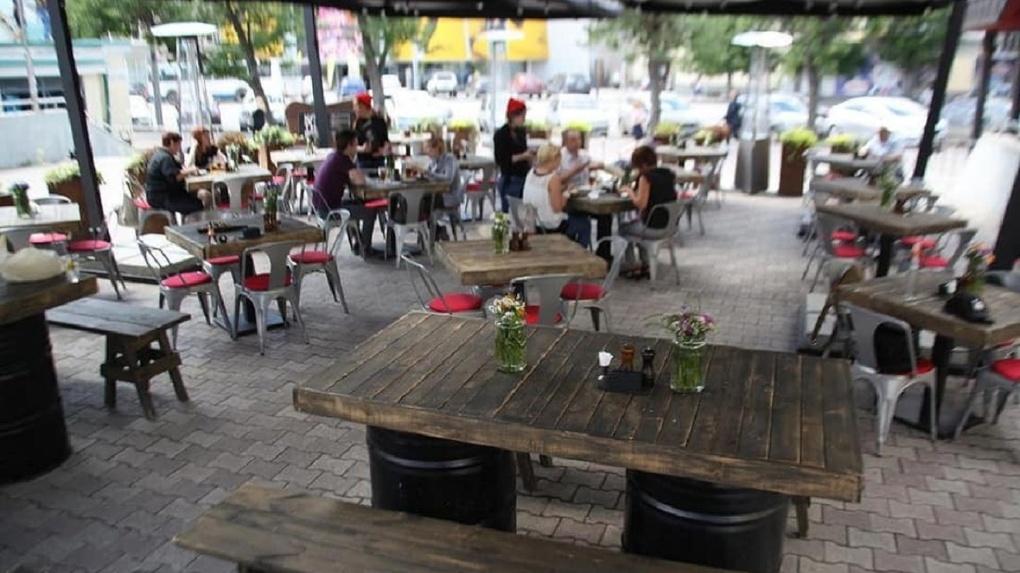 В Екатеринбурге открываются летние веранды кафе и ресторанов