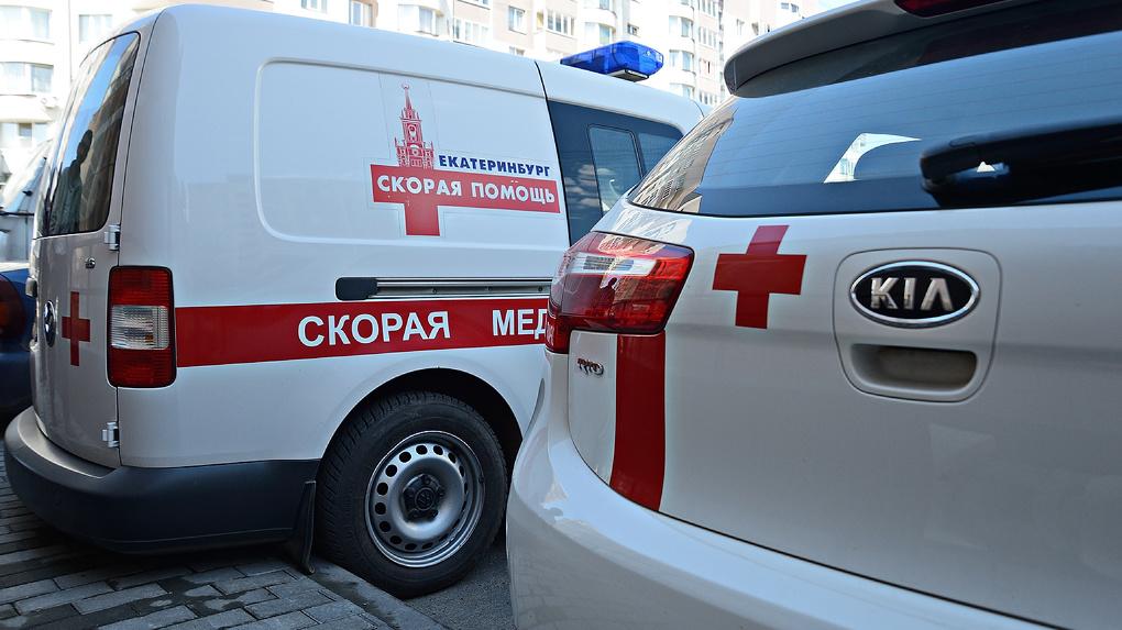 В Екатеринбурге увеличили количество скорых, которые работают с больными COVID-19