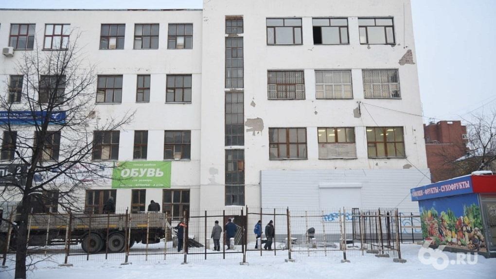 Аркадий Чернецкий: «Маяк» еще 15 лет назад хотел снести конструктивистское здание на Декабристов