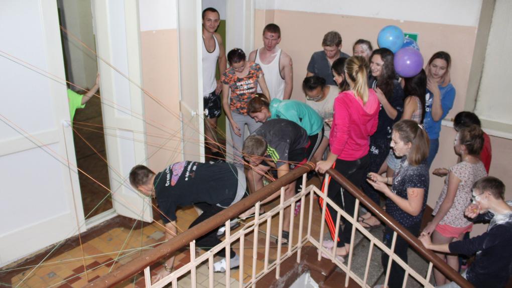 Свободное видео посвящения студенток в общежитии