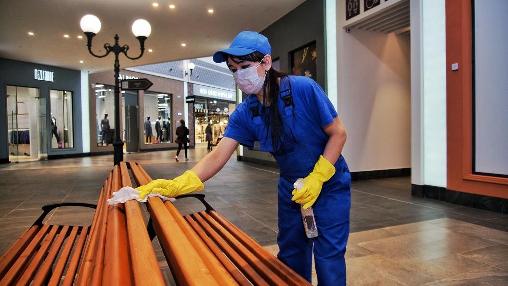 Торговые центры в Екатеринбурге перестроили работу в карантин. Как понять, безопасно ли там