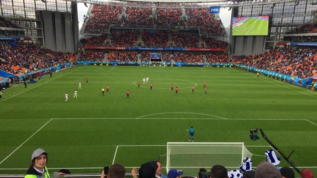Первый матч ЧМ-2018 в Екатеринбурге: незаполненные трибуны и победа Уругвая